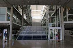 Escaliers Atrium du Carré d'Art de Nîmes - Intérieur Architecture