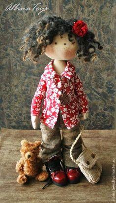 Que tal começar a semana com uma dose caprichada de inspiração? Quando pegamos o gosto por bonecas artesanais, nos deparamos com um mun...