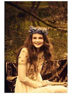 <3 Ellen Von Unwerth, Fashion Pictures, Girl Pictures, Beauty Photography, Fashion Photography, Whimsical Photography, Lake Photography, Photography Portraits, Wedding Photography