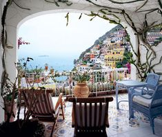 One of my favorite hotels in the world!! Le Sirenuse in Positano, Italy. #JetsetterCurator #travel #Italy