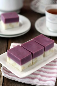 Kuih Talam Keladi ~ :: Dari Dapur CT :: Asian Snacks, Asian Desserts, Sweet Desserts, Sweet Recipes, Malaysian Dessert, Malaysian Food, Indonesian Desserts, Indonesian Food, Bakery Recipes