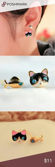 NEW Girl's Cat / Kitten & Fish Post Earrings. Girl's Cat / Kitten & Fish Post Earrings.    Material:Alloy metal Condition:New Available Colors:Gold  Cat / Kitten & Fish Post Earrings. New Post style earrings for pierced ears. Accessories Jewelry