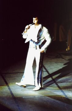 Elvis - 27th June 1974 Indiana University Assembly Hall, Bloomington, Indiana