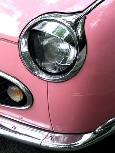 I just love the look of this pink car