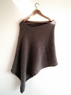 Ravelry: super duper simple poncho pattern by Moa Wallman