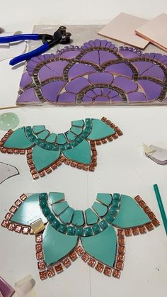 Mosaic Garden Art, Mosaic Pots, Mosaic Diy, Mosaic Crafts, Mosaic Glass, Mosaic Tiles, Stained Glass Patterns, Mosaic Patterns, Mosaic Art Projects