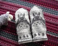Totoro convertible mittens.  Modified version of Brella's free Norwegian Totoro Mittens pattern on Ravelry