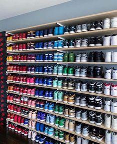 Behind The Scenes By rysnc Jordan Shoes Girls, Air Jordan Shoes, Zapatillas Nike Jordan, Sneakers Fashion, Shoes Sneakers, Shoe Room, Nike Air Shoes, Nike Air Jordans, Aesthetic Shoes