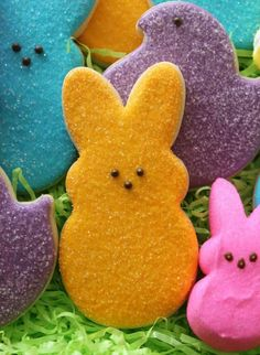 Decorated Peeps Cookies from Sweet Sugarbelle - www. Decorated Peeps Cookies from Sweet Sugarbelle - www. Fish Cookies, Easter Cookies, Cute Cookies, Easter Treats, Sugar Cookies, Easter Desserts, Baby Cookies, Flower Cookies, Heart Cookies