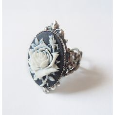 Ice Queen's Rose Elegant Gothic Lolita Ring ($31) ❤ liked on Polyvore featuring jewelry, rings, rose ring, rose jewelry, goth jewelry, filigree jewelry and gothic jewellery