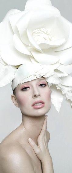 anna-halldin-maule-fashion-paintings-6   Flower crowns, Beautiful ...