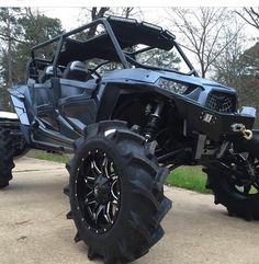 INCREDIBLE LIFT ON THIS NEW RZR 1000