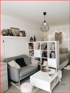 Small Apartment Decorating, Small Living Rooms, Apartment Bedroom Design, Apartment Room, Apartment Layout, Studio Apartment Decorating, Apartment Living Room, Room Decor, Apartment Interior