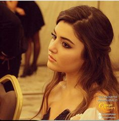 Hande Erçel in Günesin Kizlari Famous Celebrities, Beautiful Celebrities, Gorgeous Women, Cute Girl Pic, Stylish Girl Pic, Murat And Hayat Pics, Best Friend Couples, Deepika Padukone Style, Girly Pictures