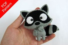 Dragon or Toothless Alike Plush PDF Pattern Instant Digital Sewing Crafts, Sewing Projects, Felt Projects, Creation Couture, Baby Kind, Felt Fabric, Sewing Basics, Felt Toys, Felt Christmas