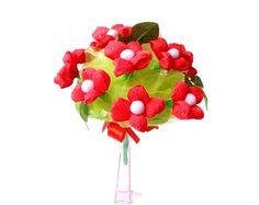 bukiet z kwiatów z krepiny czerwono zielony więcej na kwiatyupominki.net