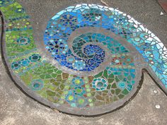 Swirly mosaic in botanical gardens in Darwin