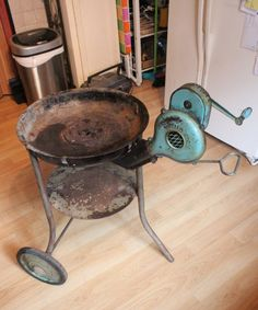 """Vintage Buffalo Forge Co. """"Bufco"""" Rare Grill Model With Hand Crank Blower. Works"""