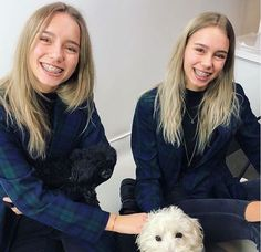 Lisa and Lena Braces Girls, Lisa Or Lena, Headgear, Tik Tok, Ariana Grande, Famous People, My Girl, Cute Pictures, Twins