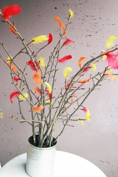 Påskris: Swedish Easter Tree - Twigs with Feathers