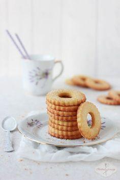 Kruche ciasteczka z krupczatki i gotowanych żółtek