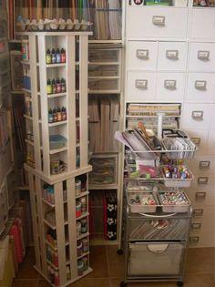 CD tower repainted for scrapbook storage. Scrapbook Storage, Scrapbook Organization, Craft Organization, Scrapbook Rooms, Space Crafts, Home Crafts, Craft Space, Rangement Art, Craft Room Storage