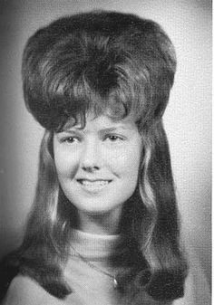Hair today, hopefully gone tomorrow - the wackiest retro hairstyles in photos - Hair today, hopefully gone tomorrow… the wackiest retro hairstyles in pictures - Bad Hair Day, 60s Hair, Retro Hairstyles, Party Hairstyles, Wedding Hairstyles, Cut Her Hair, Blond, Hair Raising, Crazy Hair