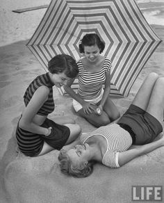 vintage everyday: Beautiful Florida Beach Fashions in 1950
