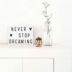 Lightbox, 85 letters en symbolen om al je quotes te maken.nl - Foto styled_by_eve Light Up Message Board, Light Board, Light Up Letter Box, Led Light Box, Lightbox Letters, Lightbox Quotes, Lead Boxes, Salon Quotes, Shopping Quotes