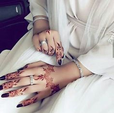 ~Eid special 🌙 For best henna design . Kashee's Mehndi Designs, Cool Henna Designs, Mehndi Desing, Arabic Henna Designs, Latest Mehndi Designs, Henna Tattoo Designs, Henna Mehndi, Hand Henna, Arabic Mehndi