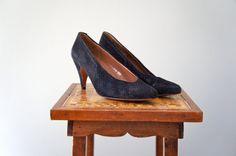 Vintage Evan-Picone Black Suede Shoes | Black Patent Heels | size 8.5 by SunnywoodVintage, $48.00