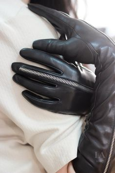 Long Leather Opera Gloves with Zipper, Sexy Long Leather Gloves, Long Leather Women Gloves, Black Gloves Thigh High Boots Heels, Heeled Boots, Black Leather Gloves, Leather Cleaning, Italian Leather, Leather Outfits, Zipper, Opera, Cosplay