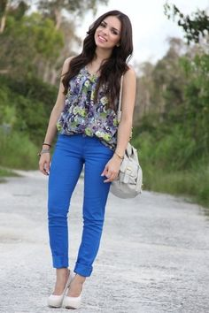 How to Wear Blue Skinny Jeans