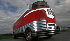 "1950 GM Futurliner ""Parade of Progress"" Tour Bus - 25 Stunning Art Deco Cars | Complex"