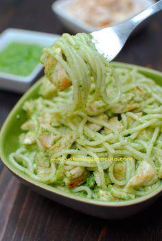 Espaguetis con Pollo y Pesto #singluten #sinlactosa Incluye la Receta para Preparar el Pesto Verde con Almendras