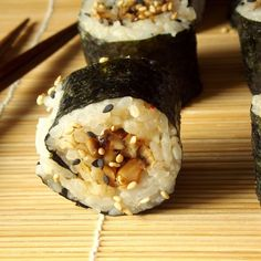 Vegan shiitake sushi filled with savory shiitake mushrooms flavored with garlic and sesame.....I made this filling with reconstituted shitake mushrooms.