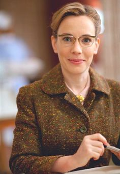 Call the Midwife, Laura Main as Mrs. Turner. So stylish! Series Costume Design by Amy Roberts (9 episodes, 2012-2013) Ralph Wheeler-Holes (7 episodes, 2013-2014)
