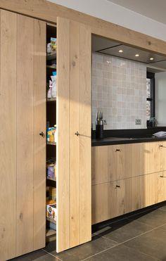 Rustic Kitchen Island, Rustic Kitchen Cabinets, Farmhouse Kitchen Decor, Ikea Kitchen Design, Interior Design Kitchen, Painting Kitchen Countertops, Colorful Kitchen Decor, Kitchen Trends, Cuisines Design