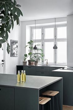 How To Incorporate Contemporary Style Kitchen Designs In Your Home Modern Kitchen Interiors, Luxury Kitchen Design, Best Kitchen Designs, Luxury Kitchens, Interior Design Kitchen, Home Kitchens, Modern Interior, Apartment Kitchen, Living Room Kitchen