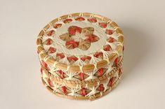 Star Quill box, porcupine quills, birchbark, sweetgrass, and thread. Artist unknown, Manitoulin Island