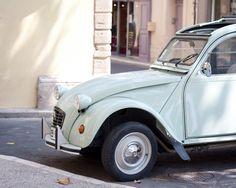 Mint retro car Photo - 2CV Citroen - Provence, France