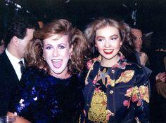 Foto antigua de Thalia con su hermana, Laura Zapata!