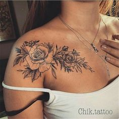 28 trendy ideas for flower tattoo on shoulder blade – foot tattoos for women quotes Stylish Tattoo, Trendy Tattoos, Unique Tattoos, Beautiful Tattoos, Small Tattoos, Foot Tattoos, Body Art Tattoos, Sleeve Tattoos, Woman Tattoos