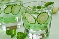 G&Fizz Prosecco Cocktail. Gin, Elderflower Cordial, Fresh Mint Sprigs and/or Cucumber slices & Prosecco. Pour a dash of elderflower cordial and of gin into a glass and top up with cold Prosecco. Juice Smoothie, Smoothie Drinks, Detox Drinks, Fun Drinks, Healthy Drinks, Get Healthy, Healthy Tips, Healthy Choices, Smoothies
