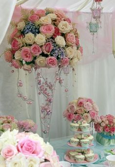 Stunning Wedding Table Decorations - Beautiful Wedding Centrepieces