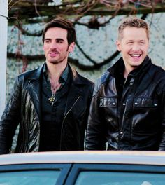 Colin O'Donoghue and Josh Dallas on ouat set 12/2/14