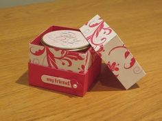 Full dimensions and more info on my blog as always: http://www.craftycarolinecreates.com/2015/10/elegant-lined-gift-box-with-flush.html Email me with any que...