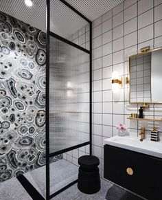 A glorious #TileTuesday featuring @gregnatale's 'New Malachite' #mosaic #tile series for @bisazzaofficial! #architecture #architettura #designhounds #designer #designinterior #designdeinteriores #homeinterior #homedesign #instadesign #interiordesign #interiors #interiorinspo #idcdesigners #madeinitaly #Italian #mosaics #mosaico #tileometry #tiles #tiled #tiledesign #tilelove #tilestyle #tilework #tileaddiction #whytile #cersaie2017