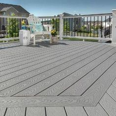 Shop stunning Trex composite decking like this beautiful Spiced Rum deck in 3 simple steps in the How to Buy Composite Decking post