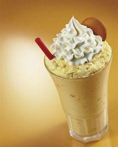 maui milkshake ingredients 3 4 oz a chocolate cream liqueur Banana Pudding Pies, Cream Liqueur, Czech Recipes, Chocolate Ice Cream, Dessert Recipes, Desserts, Milkshake, Yummy Drinks, Great Recipes
